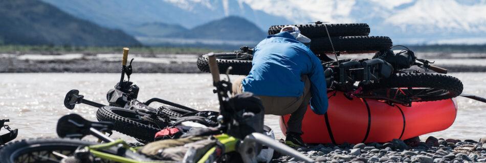 how to put a bike on a packraft